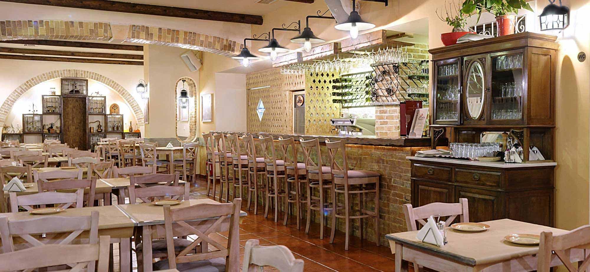 9-avli-restaurant-corfu-2000x924