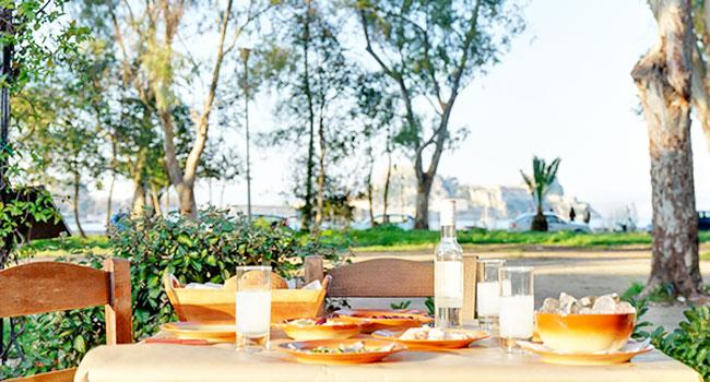 avli-restaurant-corfu-tarrace